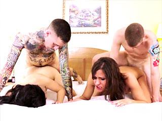 Nina Lawless et Michelle Firestone avec leurs boyfriends